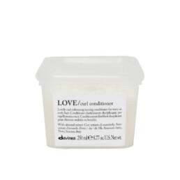 Davines Love Curl, odżywka uelastyczniająca i podkreślająca skręt do włosów kręconych i falowanych. Pojemność 250ml.