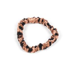 Elegancka, jedwabna gumka do włosów w leopardzie cętki i rozmiarze mini.